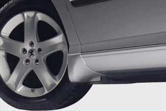 Peugeot 407 - Formstøbt stænklapper foran